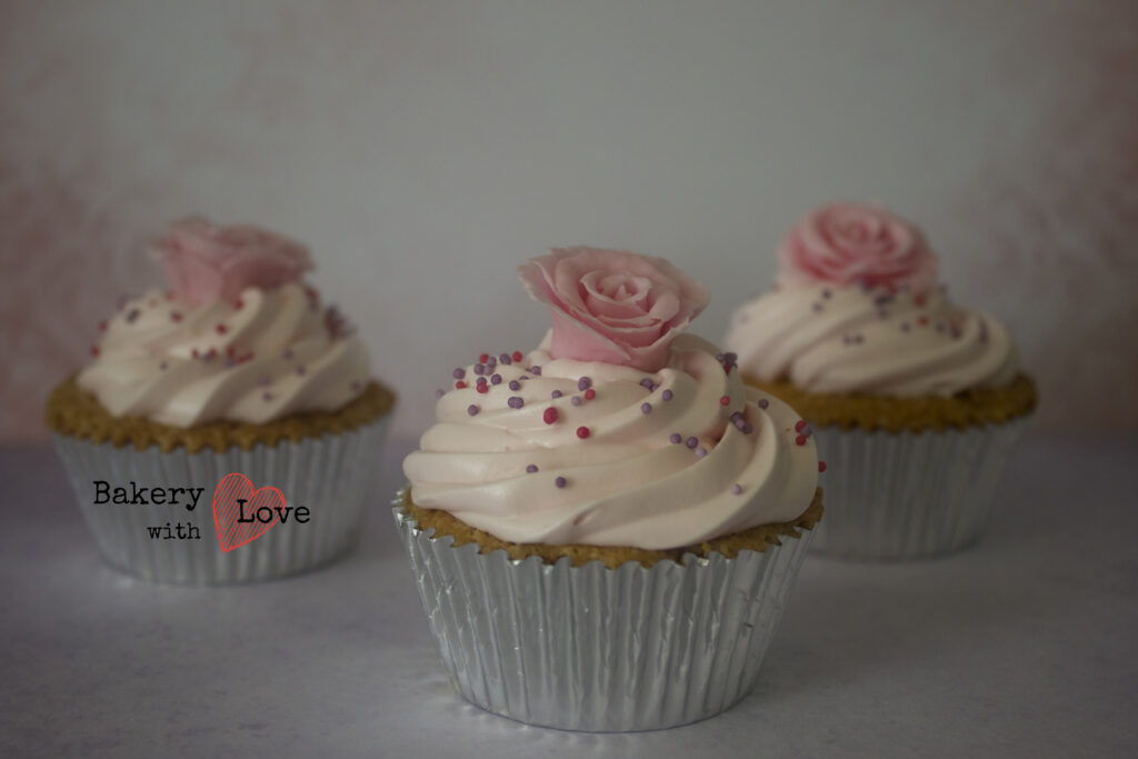 Witte chocolade crème cupcake
